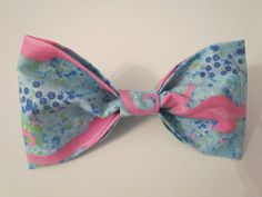 Sassy Seahorses Medium Bow by LighthousesAndLilac on Etsy Seahorses, Preppy, Sassy, Bows, Medium, Trending Outfits, Unique Jewelry, Handmade Gifts, Accessories