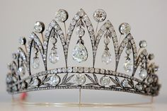 (another view of) Empress Josephine Tiara (aka the Faberge Diamond Tiara), created by Fabergé c. 1890. The briolette diamonds were a gift from Tsar Alexander I given to the Empress Josephine after she was divorced from Napoleon Bonaparte.