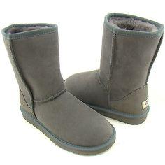Todas las botas tienen una plantilla de espuma suave y tienen una suela  moldeada ligera y flexible diseñada para la comodidad increíble con cada paso.