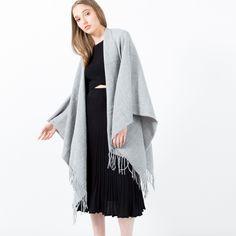 Caro Textured Knit Wrap (Grey) | Modern Citizen
