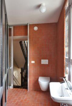 Public Bathrooms, Upstairs Bathrooms, Restroom Design, Bathroom Interior Design, Bad Inspiration, Bathroom Inspiration, Toilette Design, Mini Bad, Gold Bedroom Decor