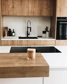 Willkommen im Haus 22 🧡 (@house.no22) • Instagram-Fotos und -Videos Kitchen Island, Interior, Instagram, Videos, Home Decor, Pictures, Thanks A Million, Build House, Nice Asses