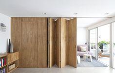 Schiebewand aus Holz – halb geöffnet