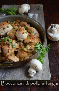 Chicken chasseur with mushrooms! NOTE: you do have to scroll down a bit on this great site for the English reading  of this beautiful recipe.