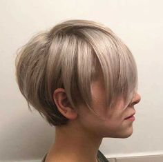 42 Best Short Bob Cuts for Get Your Haircut Inspiration Today!, Best Short Bob Cuts Relationships with short female haircuts all fold differently. Someone considers them very attractive, stylish and practical. Latest Short Haircuts, Bob Haircuts For Women, Cute Short Haircuts, Cute Hairstyles For Short Hair, Pixie Hairstyles, Pixie Haircuts, Spring Hairstyles, Short Bob Cuts, Short Hair Cuts For Women