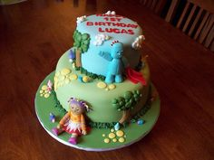 In the Night Garden cake by Andrea's SweetCakes, via Flickr