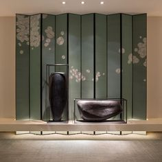 The East Hotel in HangZhou ,design by Andy Zon . Chinese Interior, Japanese Interior, Hangzhou, Screen Design, Wall Design, Hotel Decor, Hotel Spa, Chinoiserie, Decoration