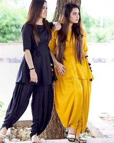 Girls Frock Design, Fancy Dress Design, Stylish Dress Designs, Beautiful Pakistani Dresses, Pakistani Dresses Casual, Pakistani Dress Design, Pakistani Fashion Party Wear, Indian Fashion Dresses, Indian Designer Outfits
