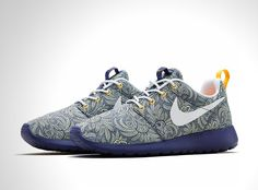 Nike x Liberty Summer 2014 collection: Nike Roshe Run, Nike Air Max 1, Nike Air Internationalist and Nike Dunk Sky Hi sneakers adorned with timeless Liberty London floral prints (IV) l #floralpatterns #sneakers