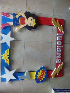 Marco de selfies mujer maravilla Superman Birthday Party, Carnival Birthday Parties, Superhero Party, First Birthday Parties, 4th Birthday, Birthday Party Themes, First Birthdays, Wonder Woman Birthday Cake, Wonder Woman Party