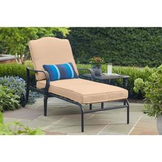 Present a lavish accent to your patio with this Hampton Bay Laurel Oaks Brown Steel Outdoor Patio Chaise Lounge with Sunbrella Beige Tan Cushions. Navy Blue Cushions, Turquoise Cushions, Green Cushions, Patio Chaise Lounge, Patio Chairs, Outdoor Chairs, Home Depot Shopping, Deck Furniture, Sunroom