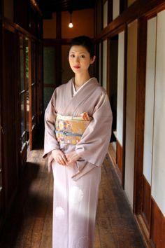 きもの=kimono.Traditional clothing of Japan