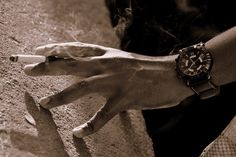comment arreter fumer combien de temps arreter fumer comment arreter fumer enceinte comment arreter fumer facilement comment arreter fumer avec cigarette electronique comment arrêter fumer naturellement comment arreter fumer joint comment arreter fumer sans effort comment arreter fumer sans rien comment arrêter de fumer définitivement comment arreter de fumer sans grossir comment arreter de fumer seul qui a arreter de fumer avec la cigarette electronique qui a arreter de fumer qui a arreter de f Stop Cigarette, Wood Watch, Effort, How To Quit Smoking, Wooden Clock