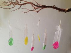 DIY Feather Mobiles using neon painted feathers / Moonfrye