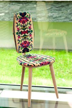 Stool Lana Photoliu with Romanian traditional patterns, design Photoliu Louis Xv Chair, Armchairs For Sale, Chabby Chic, Royal Oak, Beautiful Places To Visit, Minimalist Decor, My Dream Home, Wood Art, Lana