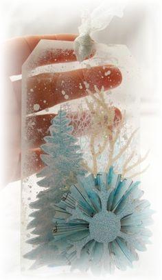 Très très en retard pour vous poster mon mini sur le thème du blog Style Shabby, Il fallait faire un album monochrome blanc avec quelques nuances de couleurs claires autorisées... bon ben c'est perdu hein !! Mais pour Noël j'étais obligé de mettre du...