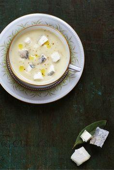 Un dejeuner de soleil: Soupe de panais, topinambour, pomme et chèvre cend...