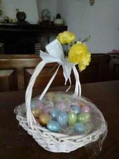 Cestino con uova
