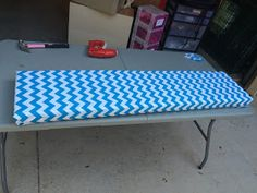 Ketchin' Up With Miss Riley: HOW TO: DIY Crate Benches Milk Crate Bench, Milk Crate Storage, Milk Crates, Crate Crafts, Diy Crafts, Diy Rack, Classroom Themes, Outdoor Furniture, Outdoor Decor