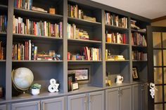 How to make your own custom built-ins with cheap cabinets .using discounted upper kitchen cabinets Diy Built In Shelves, Diy Kitchen Shelves, Built In Bookcase, Kitchen Cabinets, Building Bookshelves, Diy Bookcases, Making Barn Doors, Cheap Cabinets, Cheap Furniture