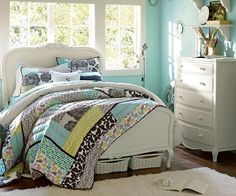 Vintage Inspired Style Chic Bedroom Ideas for Girls using Graphic Bedding