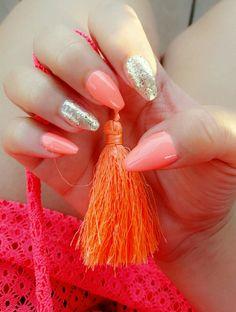 Coral & Gold Dream | Gelish nail polish on natural nails | Summer nails | Neon nail polish | Neon coral | Nail polish