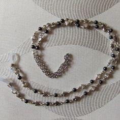Cordon de lunette coeurs en métal argenté et perles en hématite