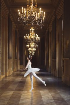 Joyaux à l'Opéra de Paris   Miss Pandora - Louise Ebel