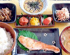 炊きたてご飯をモリモリする、遅めの朝ごはんです。 - 22件のもぐもぐ - 焼魚と豚汁の和朝食 by kana000suzuki