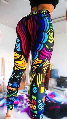 Sportübungen für Yoga, Laufen und Entspannungen. Übungen. Leggings, Pants, Shorts, Sport Hosen für Frauen und Damen.