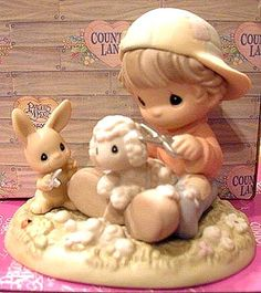 Precious Moments Figurines & Dolls  This is just too cute!  MUST have!
