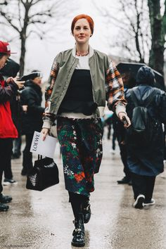 PFW-Paris_Fashion_Week_Fall_2016-Street_Style-Collage_Vintage-Taylor_Tomasi_Hill-4
