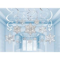 Amscan Winter Wonderland Christmas Party Hanging Snowflakes and Swirl (Pack of White/Silver, One Size Winter Wonderland Christmas Party, Winter Wonderland Decorations, Winter Wonderland Theme, Winter Theme, Winter Party Decorations, Frozen Decorations, Wedding Decorations, Disney Frozen Party, Frozen Birthday