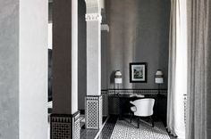 Set a drive from the center of Marrakesh, this hotel offers a stable with purebred Arabian horses. Marrakech, Moroccan Interiors, Minimalist Interior, Dressing Table, Elle Decor, Decor Interior Design, Hotel Offers, Bathtub, Mirror