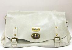 Nydelig italiensk veske i lysegrått skinn Messenger Bag, Satchel, Backpacks, Bags, Fashion, Handbags, Moda, Fashion Styles, Backpack
