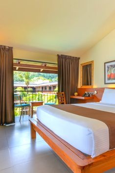 Spacious and comfortable superior room is perfect for family holidays in Seychelles! Seychelles Hotels, Hotel Sites, Room Reservation, Choice Hotels, Superior Room, Paradise Found, 4 Star Hotels, Be Perfect, Holidays
