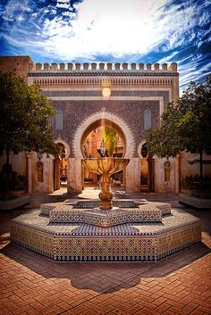 Morocco was definitely one of my favourite parts of the world showcase // but to get a picture like this was close to impossible // Epcot // Disney world