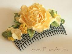 Свадебный гребень с золотистыми цветами