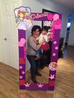 daisy duck name - Yahoo Image Search Results Princess Sofia Birthday, Sofia The First Birthday Party, 3rd Birthday Parties, Birthday Party Decorations, Party Photo Frame, Party Frame, Photos Booth, Birthday Frames, First Birthdays