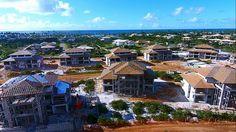 O Village das Acácias é o primeiro empreendimento de apartamentos/villages a ser lançado dentro do projeto Piscinas Naturais, Praia do Forte, Bahia, Brasil.