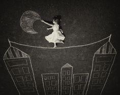 """""""He de confesarte que no cumplí mi promesa... Me quedo hablando con la luna, esperando que te duermas y así sin que te des cuenta, llamo a tu espíritu y lo traigo a dormir conmigo."""" Alfonsina G."""