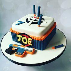 Nerf gun cake                                                                                                                                                     More Nerf Birthday Party, Nerf Party, 8th Birthday, Birthday Ideas, Birthday Cakes, Cake Cookies, Cupcake Cakes, Nerf Gun Cake, Gun Cakes