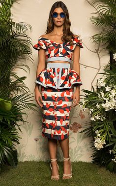 Johanna Ortiz Tobago Peplum Pencil Skirt and crop Look Fashion, Girl Fashion, Fashion Addict, Womens Fashion, Fashion Design, Casual Dresses, Fashion Dresses, Look Street Style, Moda Vintage