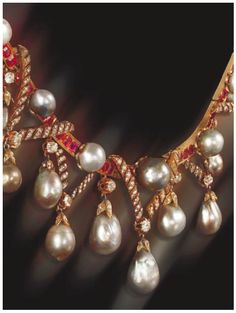 These sumptuous pearls were given by Marie-Antoinette to Lady Sutherland, Elizabeth Leveson-Gower, the wife of the British ambassador for safekeeping. Lady Elizabeth, Countess of Sutherland, is believed to have aided King Louis XVI and his family's failed flight from France on 20 June 1791