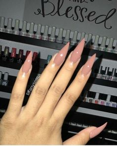 In search for some nail designs and ideas for your nails? Here is our list of 23 must-try coffin acrylic nails for trendy women. Dope Nails, Nails On Fleek, Gorgeous Nails, Pretty Nails, Hair And Nails, My Nails, Pink Nails, Nagel Bling, Nagellack Design