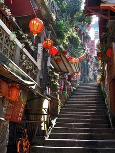 Jiufen, Taiwan, from 25 Beautifully Cluttered Cityscapes In Asia INSPIRATION for MIYAZAKI'S SPIRITED AWAY