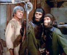 Leuric (Frank Aletter), Galen (Roddy McDowall) and Carsia (Joanna Barnes) - Planet of the Apes: The TV Series, S01E14: Up Above the World So High (First Broadcast: December 6, 1974)