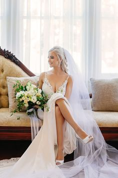 Exceptional wedding photography services in Brisbane, find the best award winning wedding photographer, get your dream wedding photos at Evernew Studio. Photography Services, Brisbane, Wedding Photos, Dream Wedding, Wedding Photography, Bride, Studio, Wedding Dresses, Fashion
