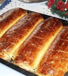diós-mákos bejgli Classic Desserts, Sweet Desserts, Dessert Recipes, Hungarian Desserts, Hungarian Recipes, Cream Puff Recipe, Flaky Pastry, Breakfast Pastries, Pastry Cake