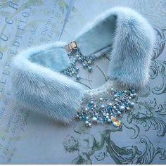 Schmuck Organizer Halskette Perlenschmuck Goldschmuck Logo Schmuck … – J… Jewelry Organizer Necklace Pearl Jewelry Gold Jewelry Logo Jewelry … – Jewelry Making Ideas Diy Jewelry Rings, Diy Jewelry Unique, Diy Jewelry To Sell, Jewelry Logo, Chanel Jewelry, How To Make Necklaces, Dainty Jewelry, Cute Jewelry, Pearl Jewelry